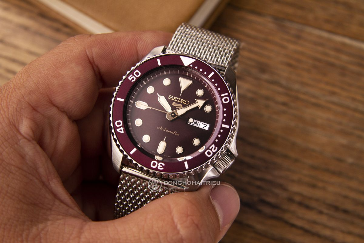 Seiko 5 2019 Suits style SRPD69K1
