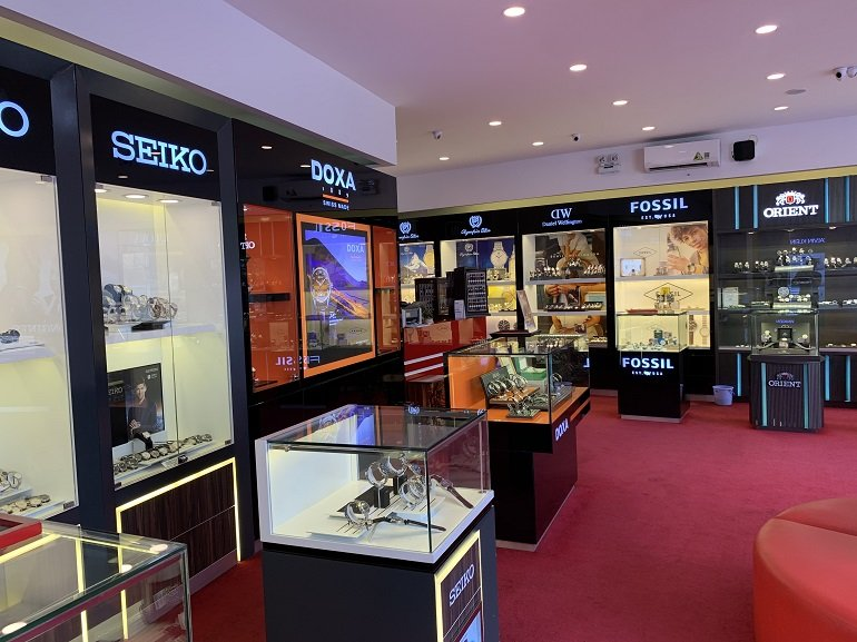 Các thương hiệu đồng hồ nổi tiếng, giá bình dân tại Việt Nam- Ảnh: Cửa hàng