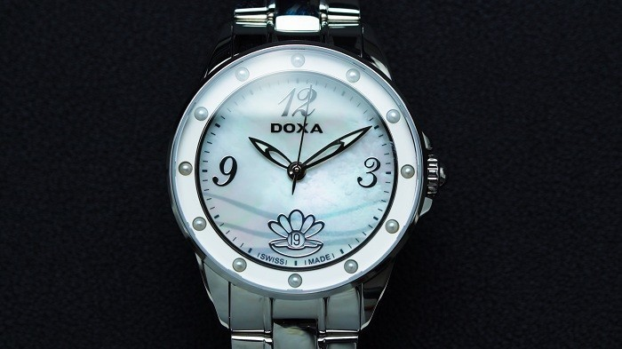 doxa-d207smw-nu-kinh-sapphire-quartz-pin-day-kim-loai-8