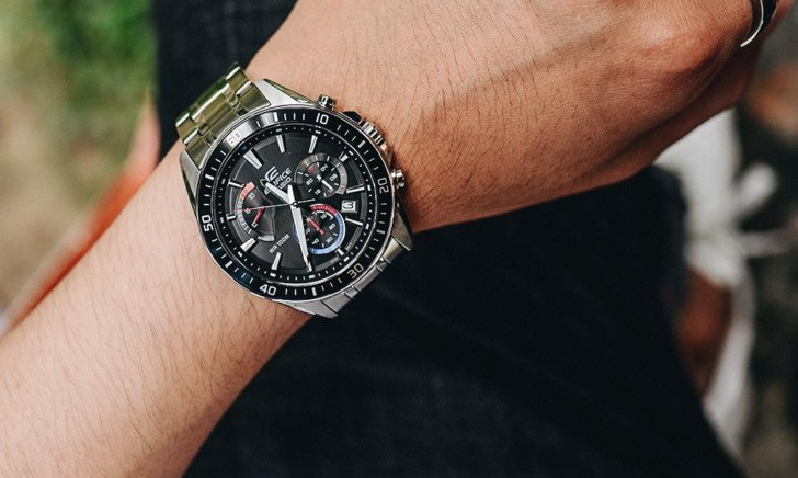 Đồng hồ Casio EFR-570DB-1BVUDF thiết kế thể thao ấn tượng - Ảnh 3