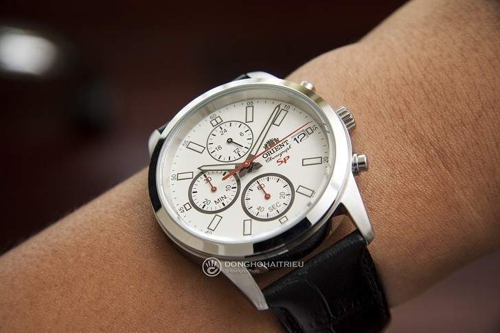 Đồng hồ Orient FKU00006W0 thể thao thiết kế Chronograph - Hình 3