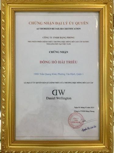 Đồng hồ DW giá 650k là hàng fake, sản xuất tại Trung Quốc - Ảnh: 12