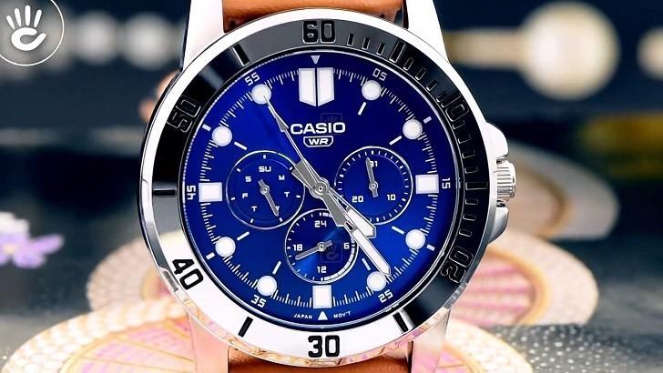Đồng hồ Casio MTP-VD300L-2EUDF giá rẻ, ấn tượng mặt số xanh - Ảnh: 1