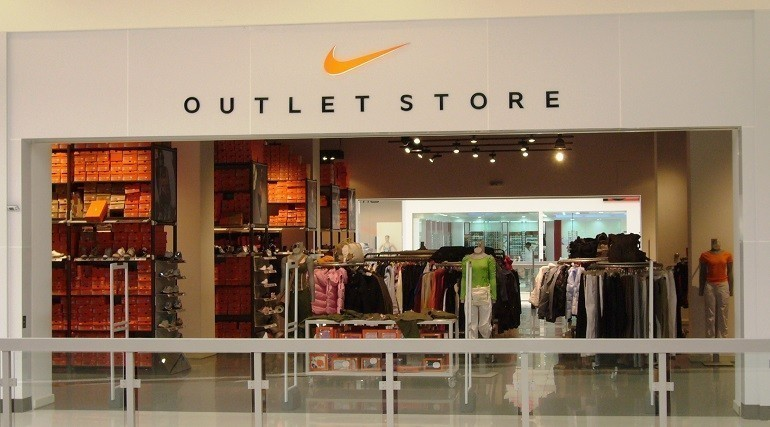 Hàng Outlet là gì? Cửa hàng, bảo hành, giảm giá thế nào? - Ảnh: 8