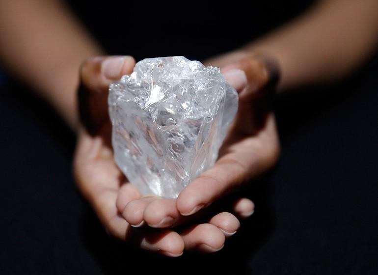 Kim cương là gì? Ý nghĩa kim cương trong làm ăn, phong thủy - Ảnh: 1