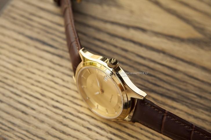 Đồng hồ Doxa 213.30.301.02 với sắc vàng sang trọng từ mặt số - Ảnh: 6