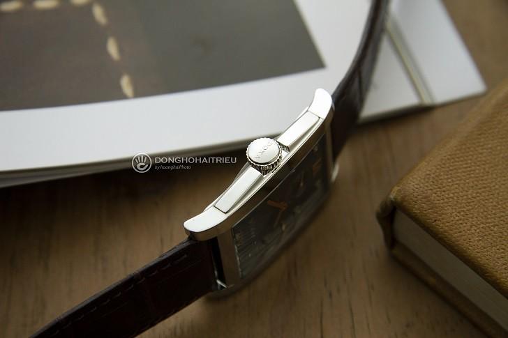 Đồng hồ Doxa D193SGY đắt giá với 8 viên kim cương thật nơi mặt số - Ảnh: 5
