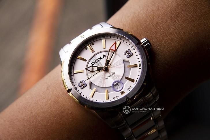 Khám phá nét độc đáo trong thiết kế đồng hồ nam Doxa D159TWH - Ảnh: 2