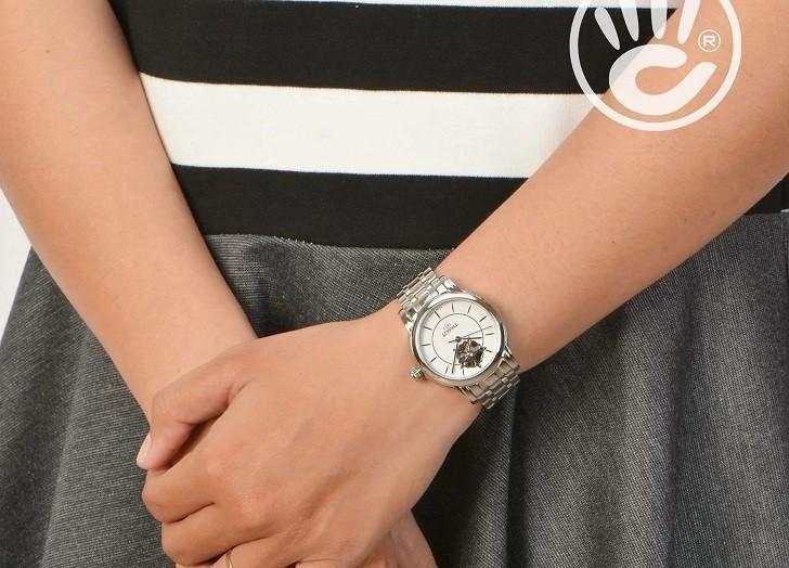 Đồng hồ Tissot T050.207.11.011.04 trang trí hình hoa lộ cơ - Ảnh 6