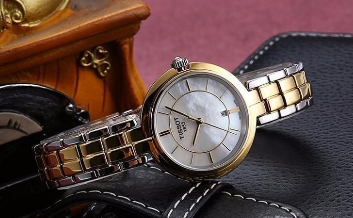 Đồng hồ Tissot T094.210.22.111.01 dây đeo kim loại mạ vàng - Ảnh 2