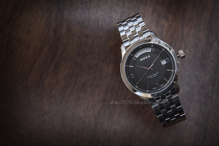 Đồng hồ nam Doxa D167RBK trang bị máy cơ chuẩn Thụy Sỹ - Ảnh: 2