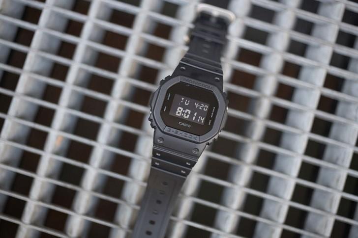 G-Shock DW-5600BB-1DR được tích hợp hơn 10 tính năng - Ảnh: 9