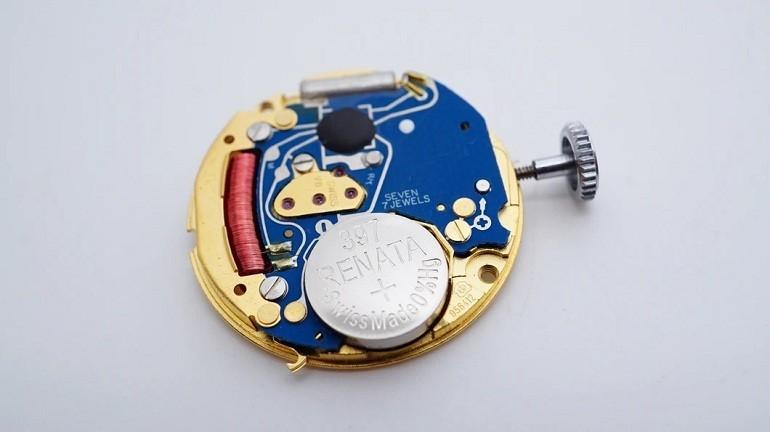 Đồng hồ Quartz là gì? Ưu, nhược điểm trên đồng hồ quartz - Ảnh: 2