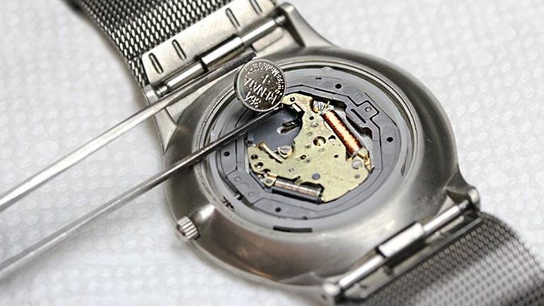 Đồng hồ Quartz là gì? Ưu, nhược điểm trên đồng hồ quartz - Ảnh: 6