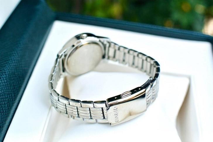 Đồng hồ Quartz được người dùng đánh giá rất cao về độ chính xác - Ảnh: 4