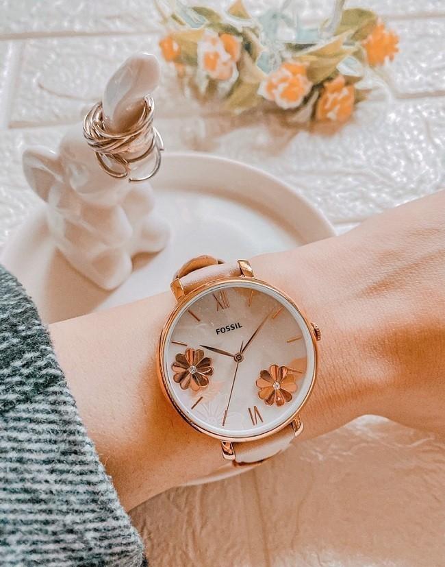 Đồng hồ Fossil ES4671 tông hồng nữ tính cho các cô nàng - Ảnh 4