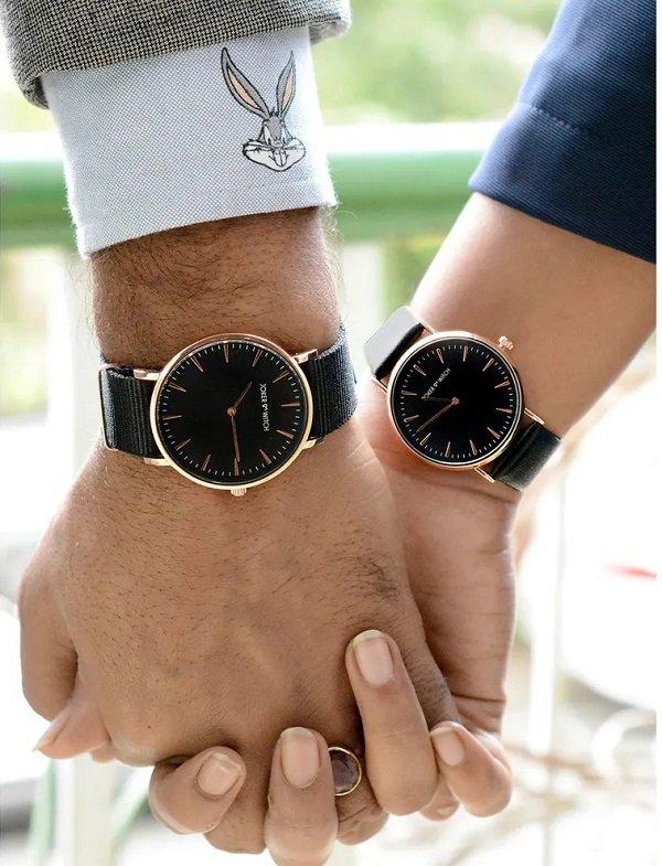 Chọn đồng hồ đôi là minh chứng cho thấy tình yêu vĩnh cửu của hai người - Ảnh: 27