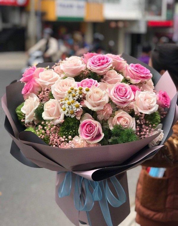 Có nhiều loại hoa được chọn làm quà Valentine cho vợ/ bạn gái - Ảnh :3