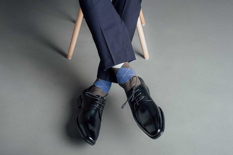 Một đôi giày tây cũng có thể làm quà 14/2 - Ảnh: 36