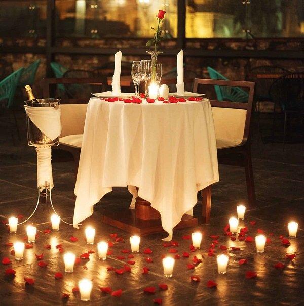 Có thể tự tổ chức một buổi tối lãng mạn để làm quà Valentine  - Ảnh: 37