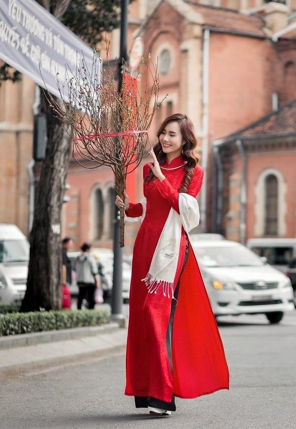 Nên mặc màu đỏ trong ngày lập xuân để gặp nhiều may mắn - Ảnh 11