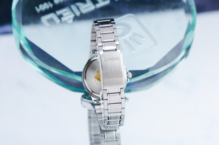 Đồng hồ Casio LTP-V300D-1A2UDF giá rẻ, thay pin miễn phí - Ảnh 4