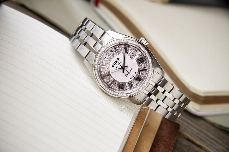 Đồng hồ Doxa D105SWH và sự xuất hiện của 163 viên kim cương - Ảnh 2