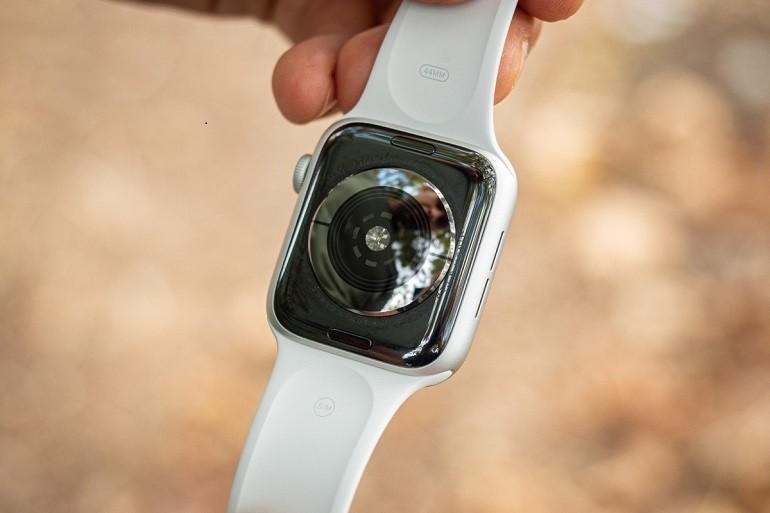 Apple Watch SE gam màu trắng rất phổ biến - Ảnh 5
