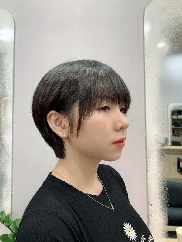 Tóc tém hợp khuôn mặt nào? 10 địa chỉ cắt tóc tém đẹp nhất - Ảnh: 23