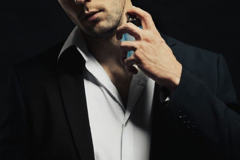 Nước hoa Versace nam được biết đến với mùi hương đầy tinh tế - Ảnh 1