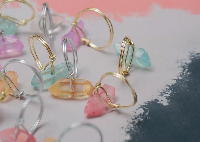 Trang sức đá quý được tạo nên từ nhiều màu sắc khác nhau - Ảnh 5