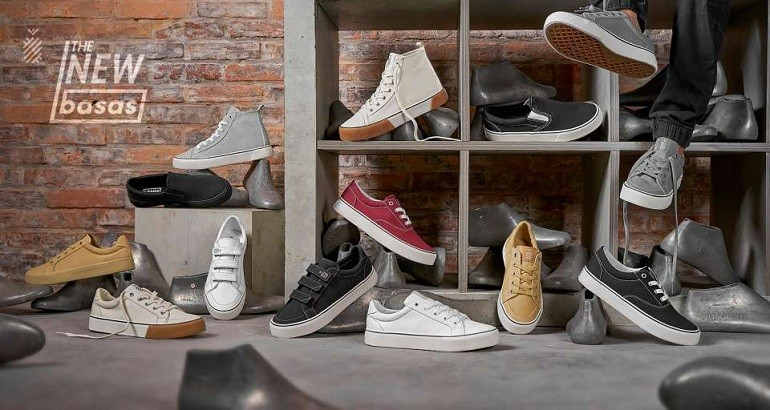 10 shop giày sneaker nam, nữ chính hãng uy tín nhất hiện nay - Ảnh: 10