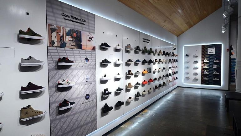 10 shop giày sneaker nam, nữ chính hãng uy tín nhất hiện nay - Ảnh: 11
