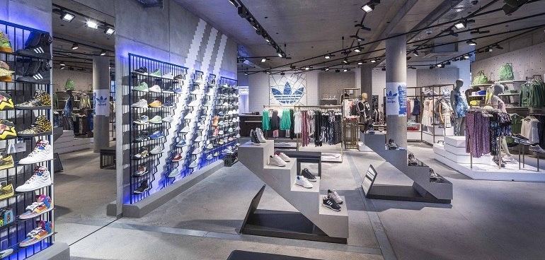 10 shop giày sneaker nam, nữ chính hãng uy tín nhất hiện nay - Ảnh: 12