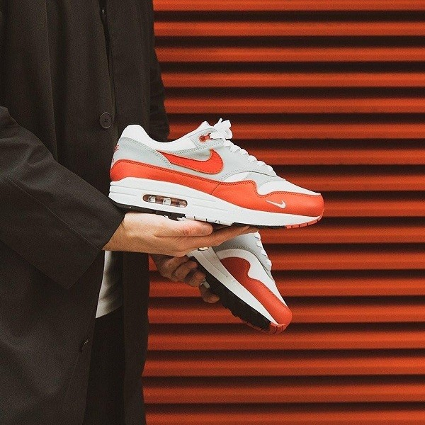 10 shop giày sneaker nam, nữ chính hãng uy tín nhất hiện nay - Ảnh: 4