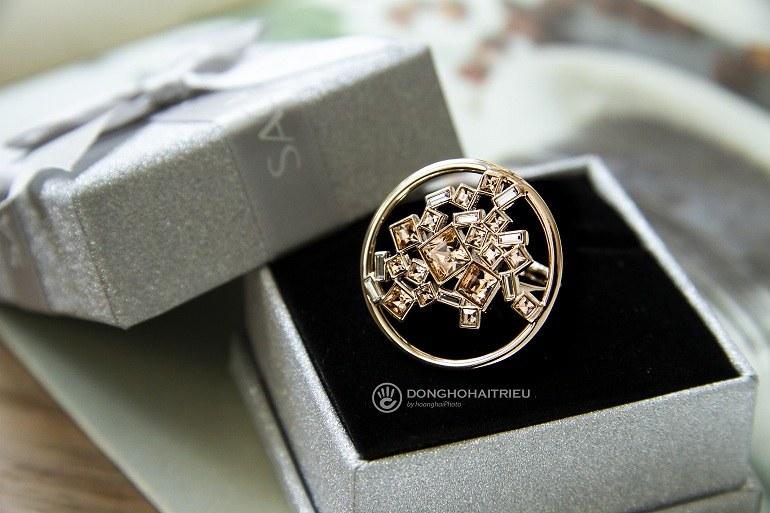 Nhẫn Saga 00131 RGCH-JZ mặt tròn đính đá mạ vàng - Ảnh 13