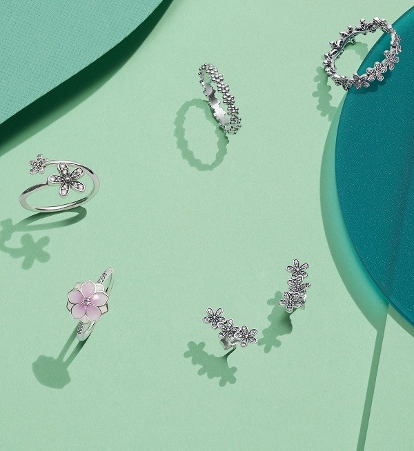 Nhẫn Pandora có giá đa dạng dễ tiếp cận - Ảnh 4