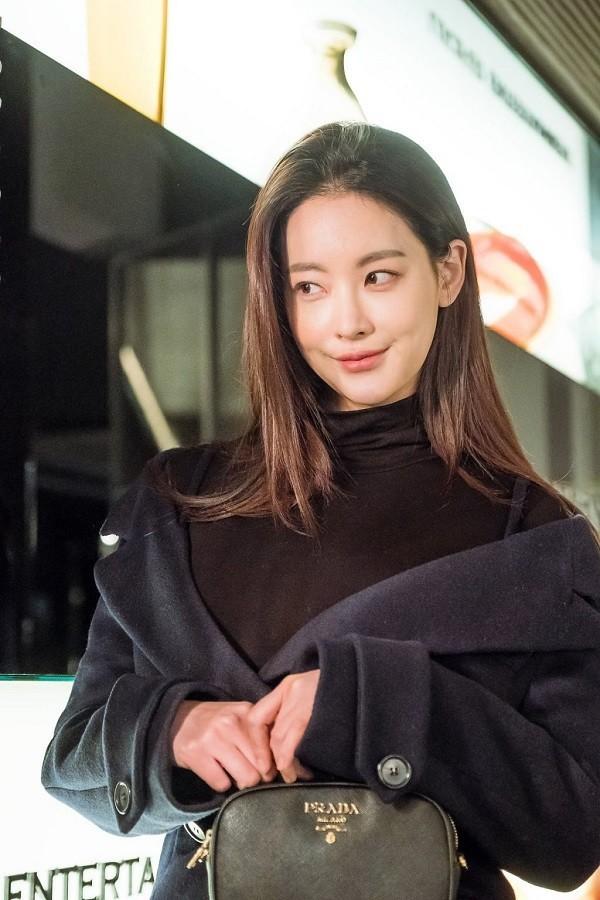Thời trang công sở nữ Hàn Quốc qua phim điện ảnh - Ảnh 12