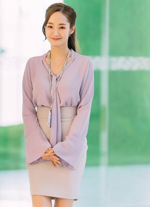 Thư ký Kim cùng gu thời trang công sở - Ảnh 8