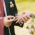 Con trai, con gái đeo nhẫn cưới tay nào là đúng truyền thống?