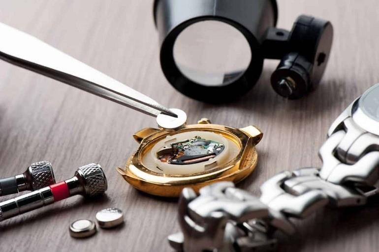 Thay pin đồng hồ nên mang đến tiệm để an toàn hơn - Ảnh 5