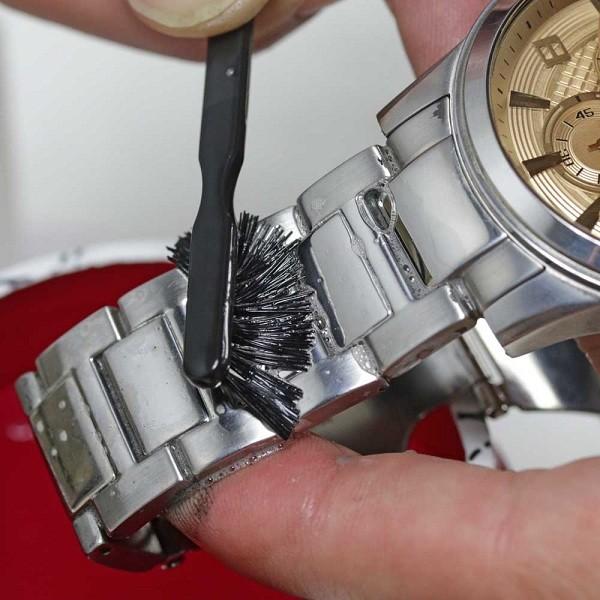 Cách sửa đồng hồ đeo tay nhanh chóng bằng 10 mẹo đơn giản - Ảnh: 10