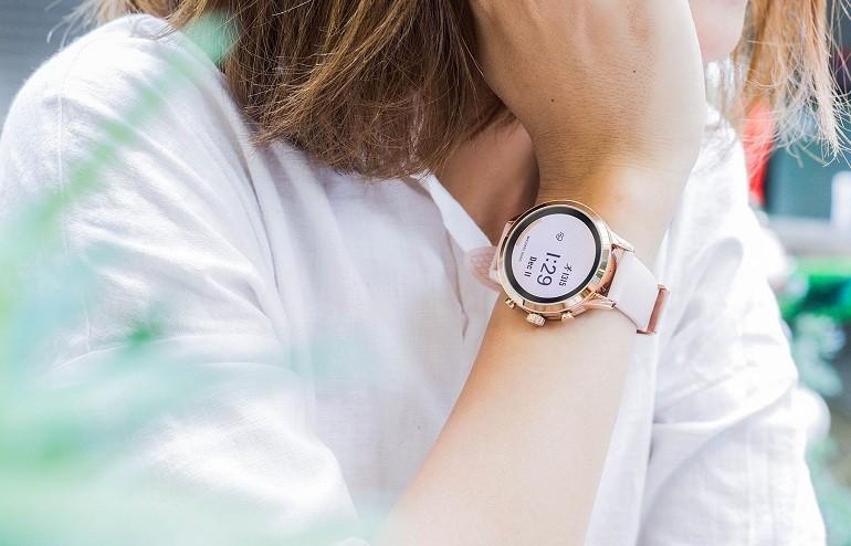 Đồng hồ thông minh Michael Kors giá bao nhiêu? Có tốt không? Ảnh 9