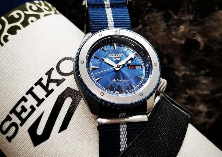 Đồng hồ Seiko SRPF69K1: Sự mạnh mẽ và lạnh lùng như Sasuke - Ảnh 2