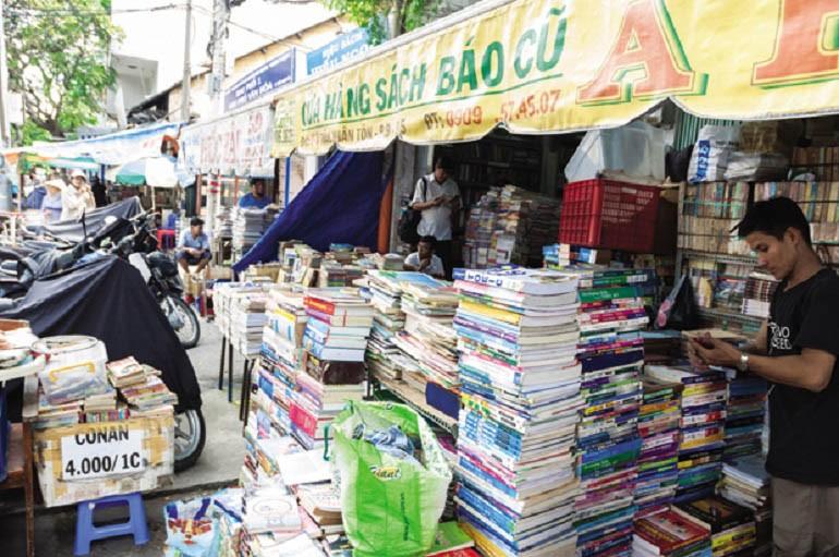 15 chợ đồ cũ nổi tiếng, lâu đời nhất tại Sài Gòn hiện nay - Ảnh: 13