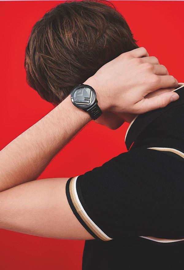 Đồng hồ Fendi sử dụng máy gì?