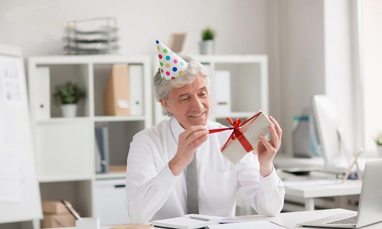 30 quà tặng Sếp nam, nữ ý nghĩa nhất, đảm bảo 100% hài lòng