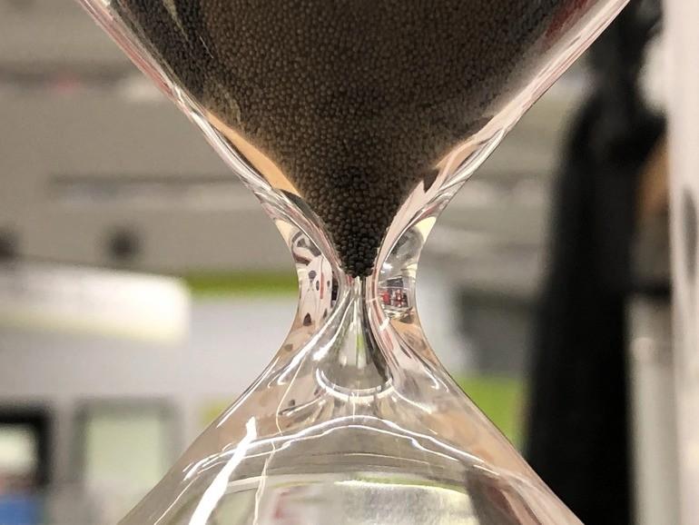 Đồng hồ cát là gì? Ý nghĩa, phân loại và công dụng nổi bật - Ảnh: 7