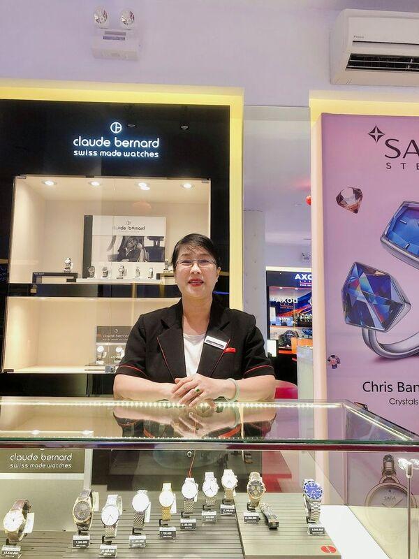 Lộ diện nữ nhân viên bán hàng U60 duy nhất của Hải Triều - Ảnh: 1