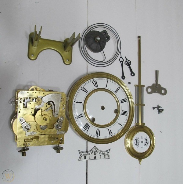 TOP 5 thương hiệu đồng hồ quả lắc gỗ tốt nhất trên thế giới - Ảnh: 11
